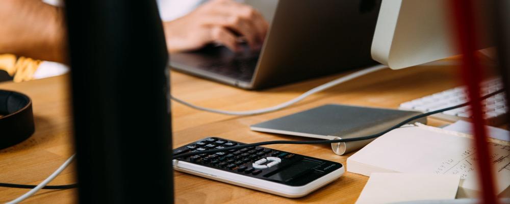 L'assistant comptable est chargé de toutes les tâches et procédures administratives liées à la comptabilité de l'entreprise qui l'emploie.