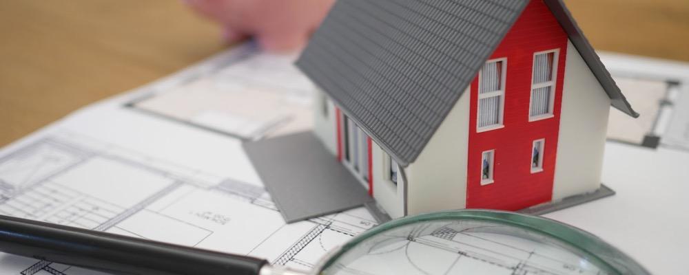 Le chargé de gestion locative se charge de réaliser toutes les tâches administratives, logistiques et juridiques relatives à la location d'un bien immobilier.