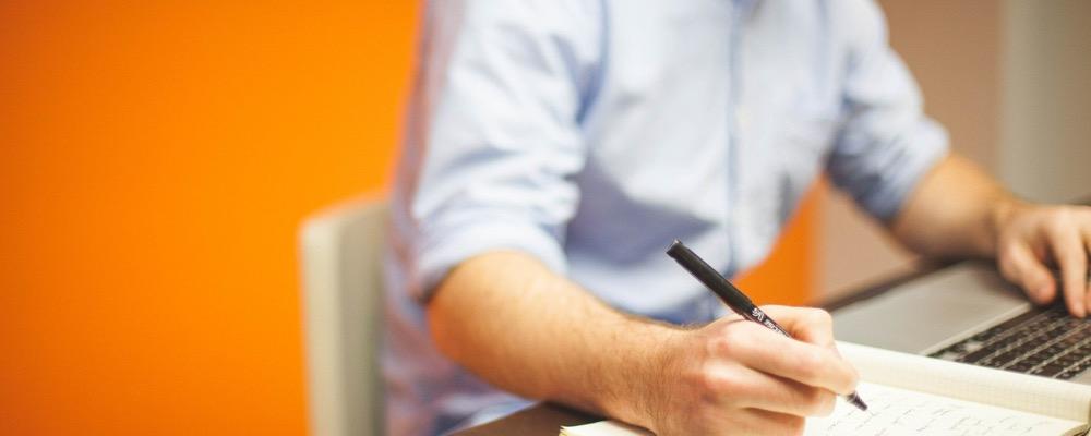 L'assistant administratif et comptable est un employé polyvalent au sein de l'entreprise.
