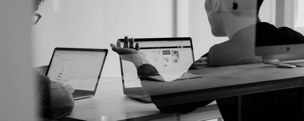 L'auditeur interne est chargé de détecter les axes d'amélioration de l'organisation d'une entreprise.