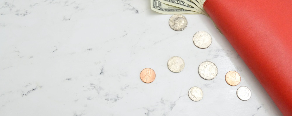 Le chargé de paie a pour mission de veiller à la bonne gestion financière de l'entreprise qui l'emploie.