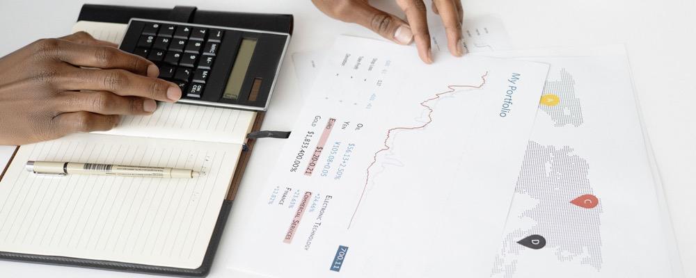 Le gestionnaire ADV gère les projets financiers et veille au respect des normes de la législation fiscale en vigueur dans l'entreprise.